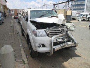 accident damaged hilux